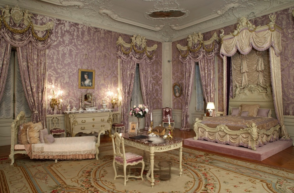 Marble House bedroom 1